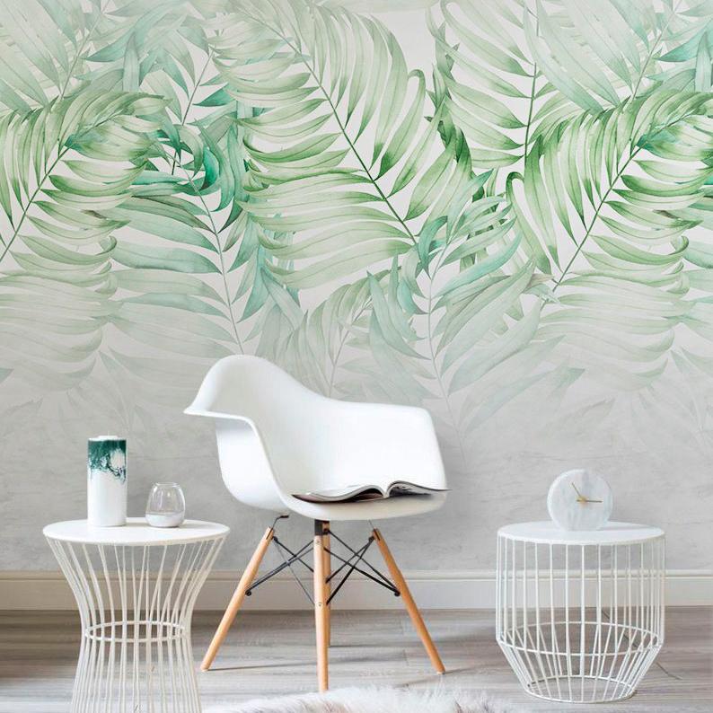 Листья на бетонной стене